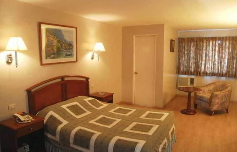 Robbinsdale Residences - Room - 11