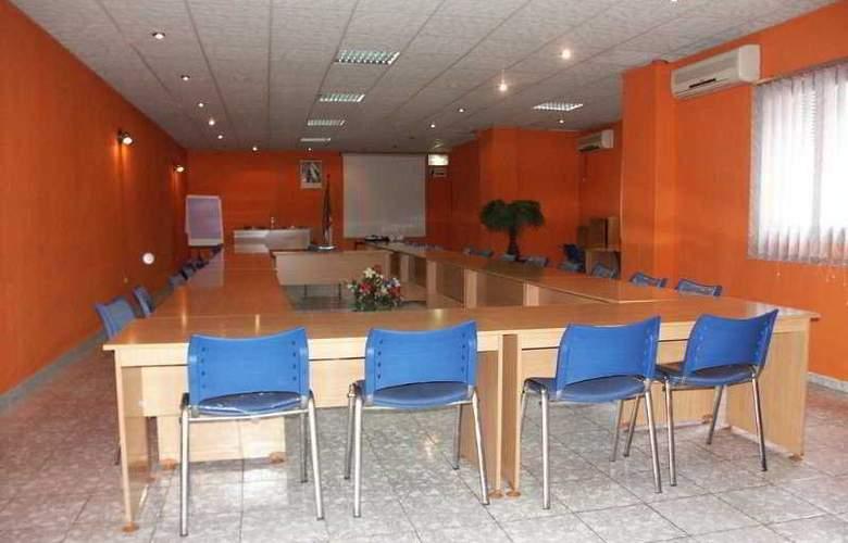 Medina - Conference - 27