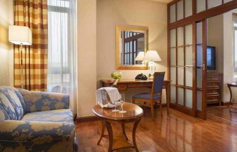 Best Western Premier Astoria - Hotel - 43