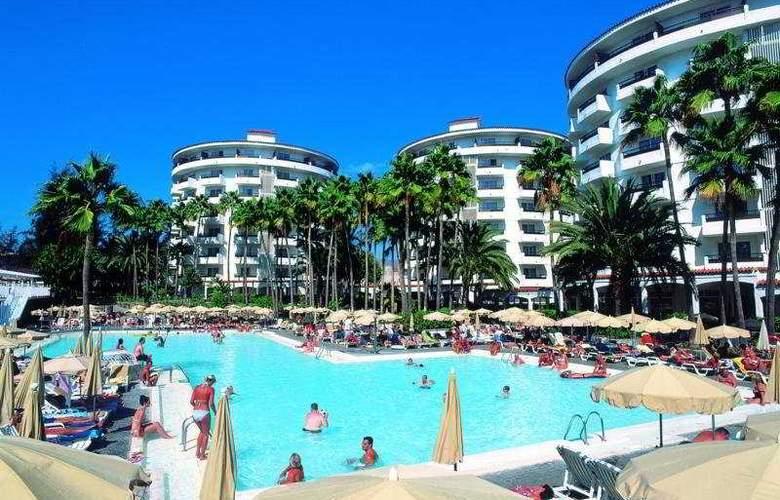 Servatur Waikiki - Pool - 3