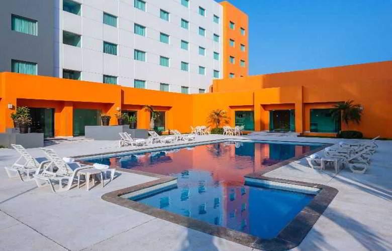 Real Inn Villahermosa - Pool - 19