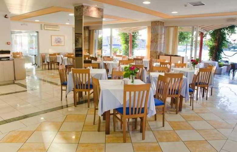 Kosta Palace - Restaurant - 6