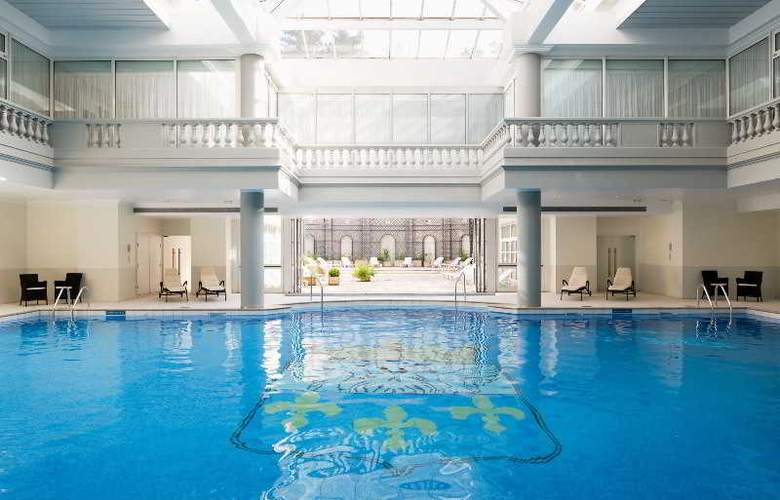 Trianon Palace Versailles, A Waldorf Astoria Hotel - Pool - 12