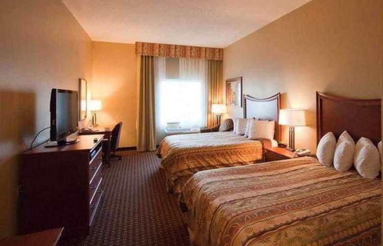 Best Western Plus Grand Island Inn & Suites - Hotel - 13
