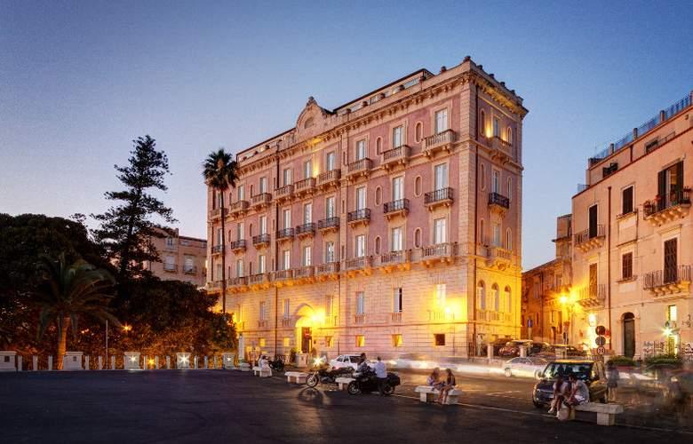 Des Etrangers Hotel & SPA - Hotel - 0