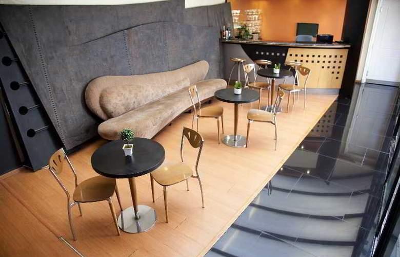 Pocitos Plaza Hotel - Bar - 26