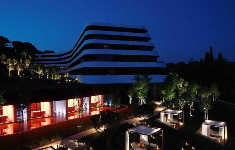 Lone - Hotel - 0