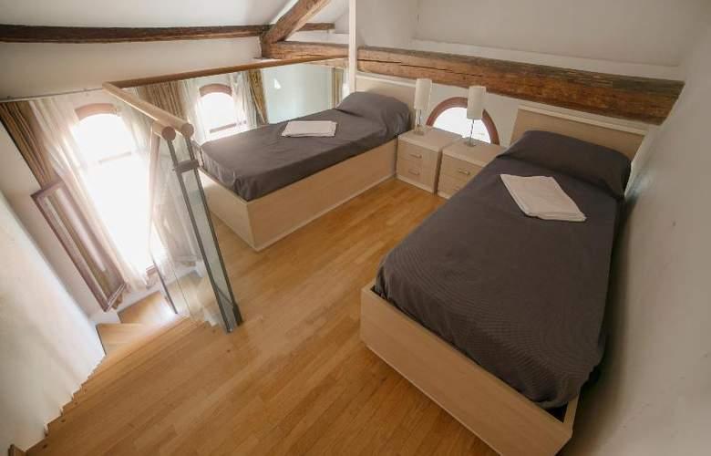 Sunny Terrace Hostel - Room - 25