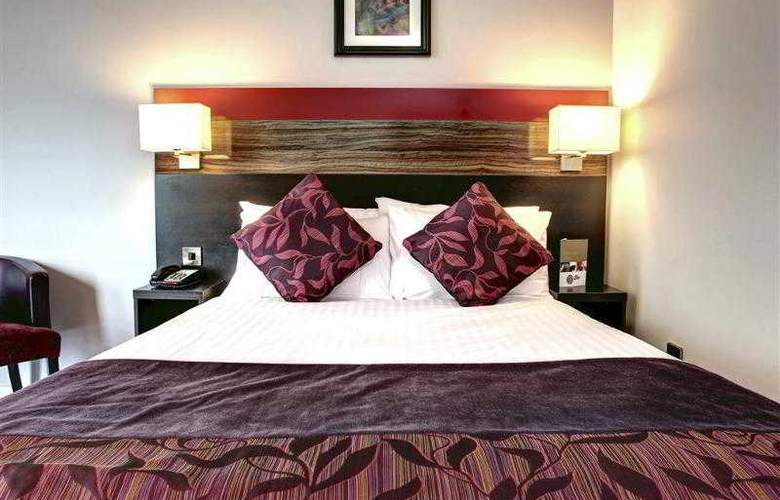 Clayton Cardiff - Room - 39