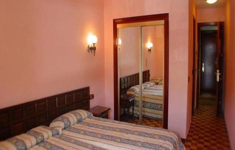 Parma - Room - 6