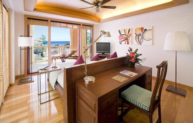 Centara Grand Beach Resort Phuket - Room - 19