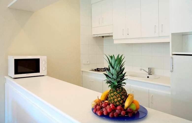 Lodomar SPA Apartamentos - Room - 7