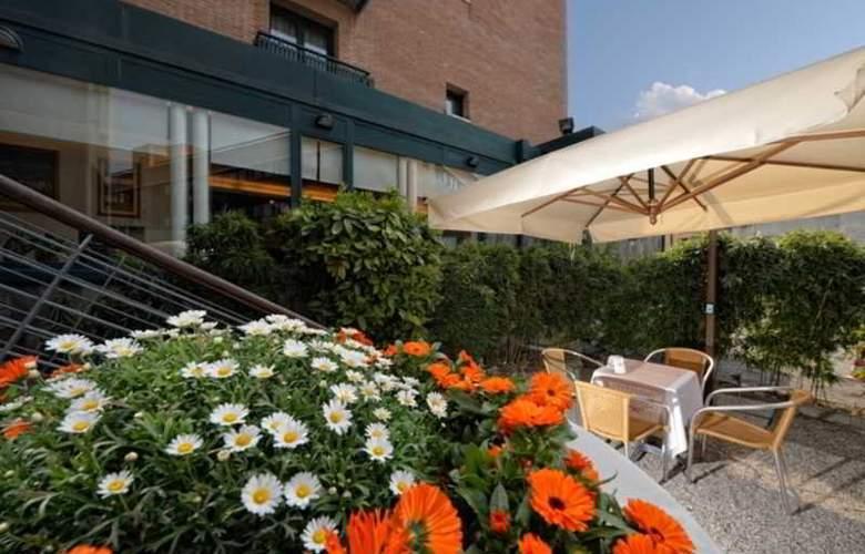 Elite Hotel Residence - Terrace - 9