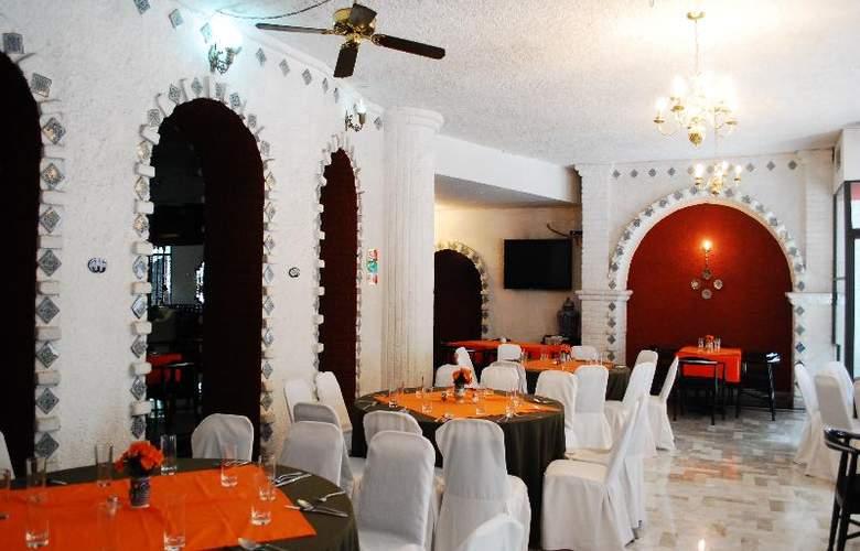 Aristos Puebla - Restaurant - 41