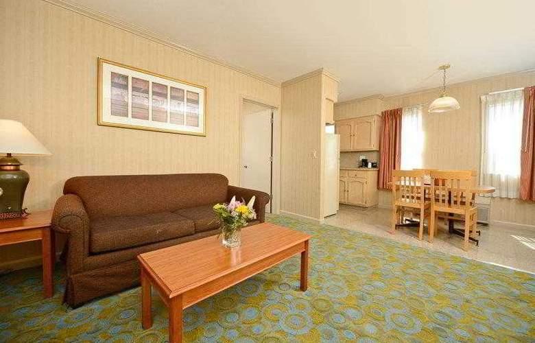 Best Western Plus Executive Suites - Hotel - 16