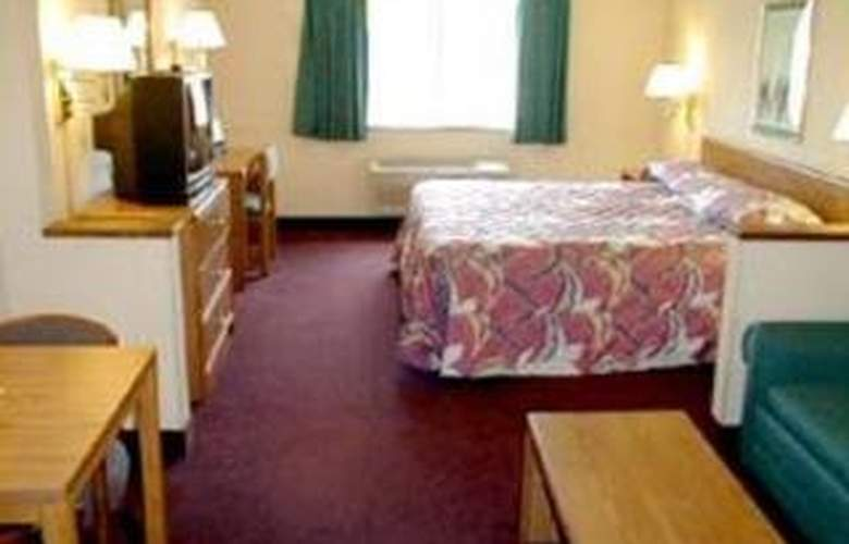 Econo Lodge East - Room - 2