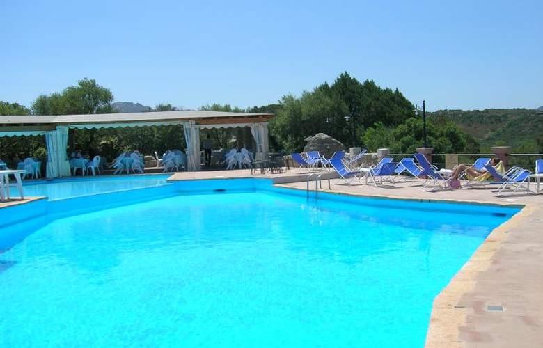 Residence Stella di Gallura - Pool - 13