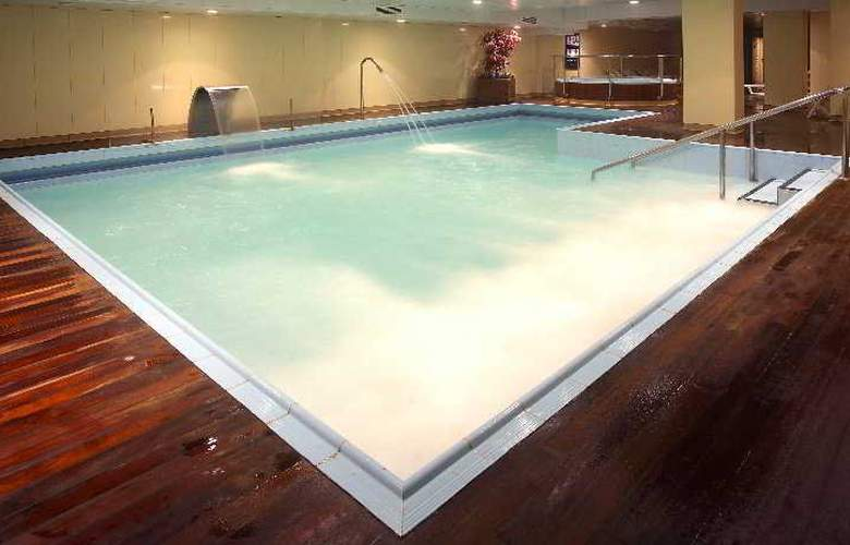 Hotel y Apartamentos (3LL) Lodomar Spa & Talasoterapia - Pool - 8