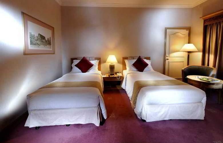 Riverside Majestic Hotel Kuching - Room - 8