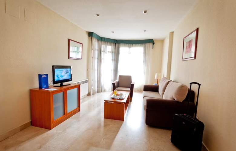 Exe Gran Hotel Almenar - Room - 10