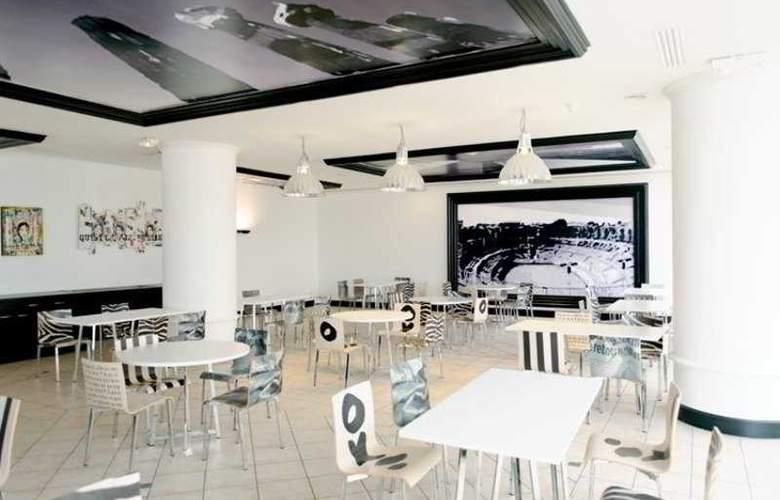 Arles Plaza - Restaurant - 10