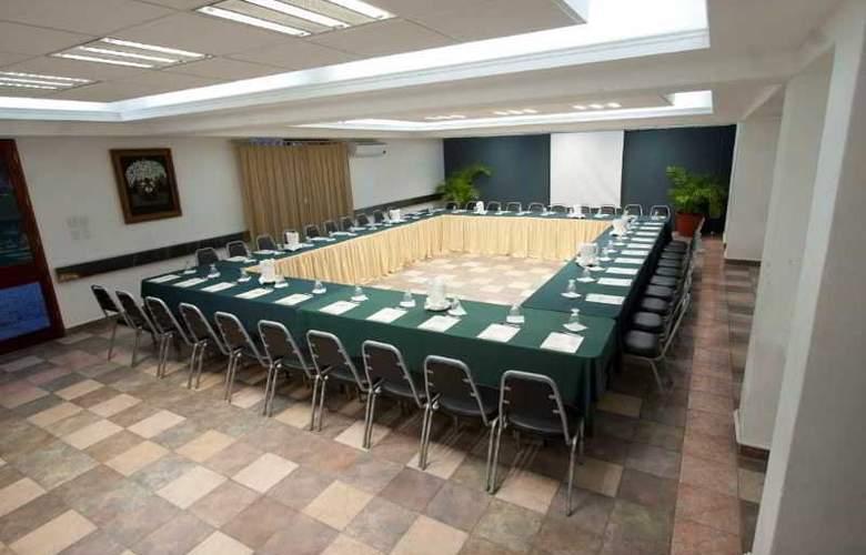 Los Olivos Spa - Conference - 6