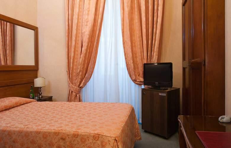 Exe Della Torre Argentina - Room - 9