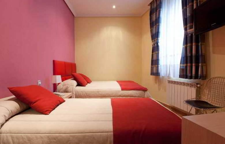 Hostal Las Fuentes - Room - 16