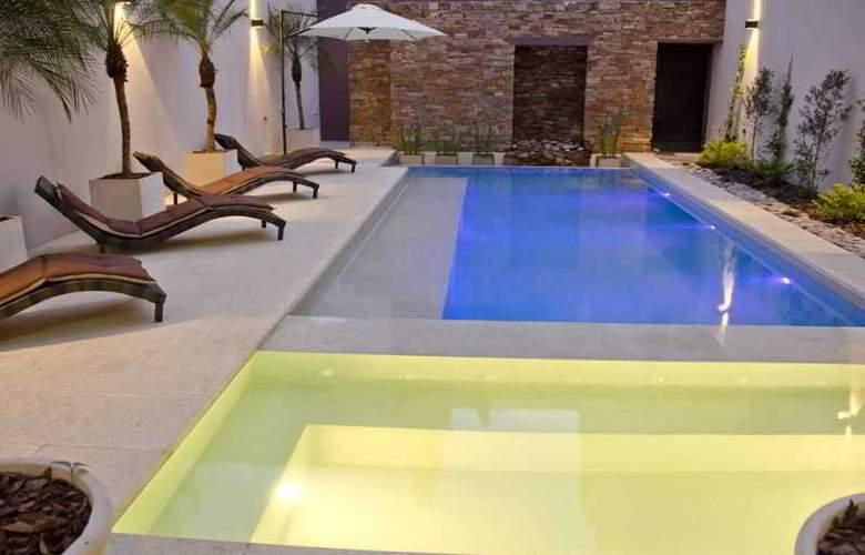 Argenta Suites Belgrano - Pool - 14