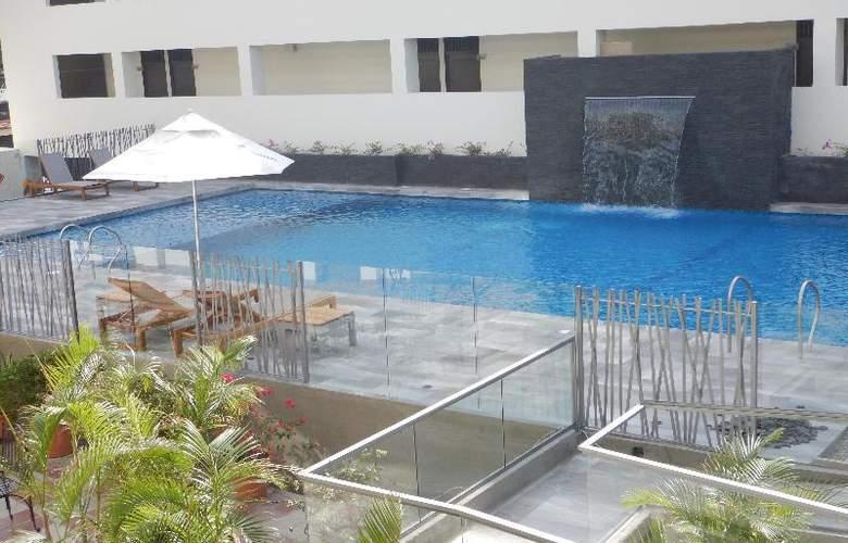 CasaBlanca - Pool - 38