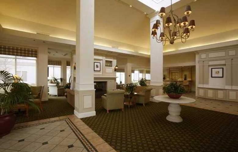 Hilton Garden Inn Roseville - Hotel - 1
