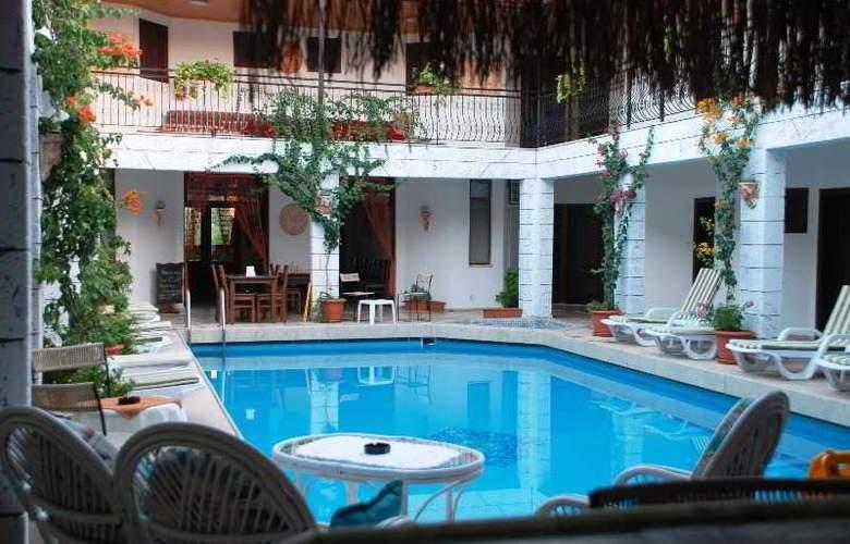 Han Dalyan Hotel - Pool - 20