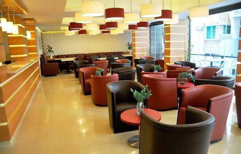 WH Hotel - Restaurant - 21