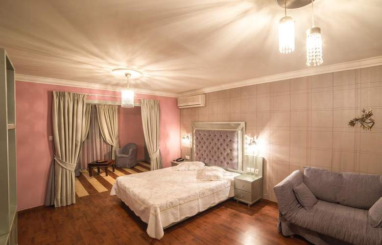 Delphi Art Hotel - Room - 0