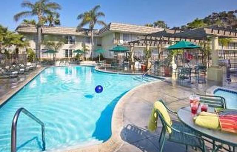 Comfort Inn & Suites Hotel Circle SeaWorld Area - Pool - 5
