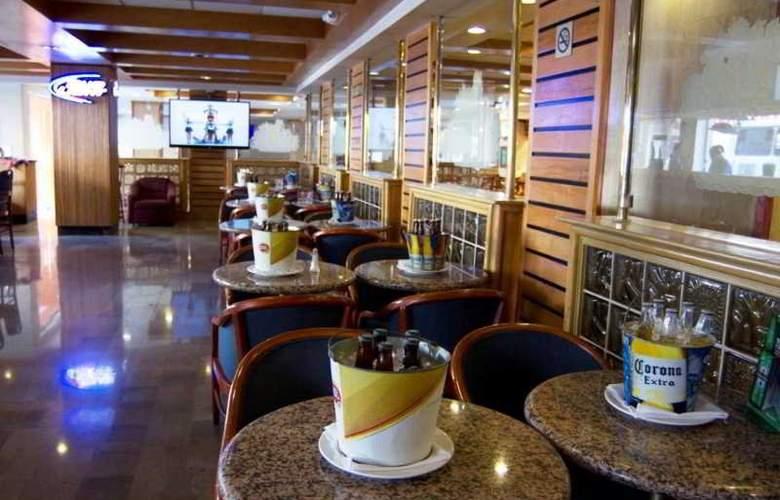 iStay Hotel Monterrey Historico - Bar - 1