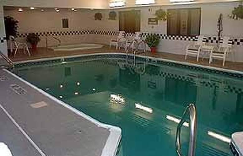 Comfort Inn (Austin) - Pool - 4