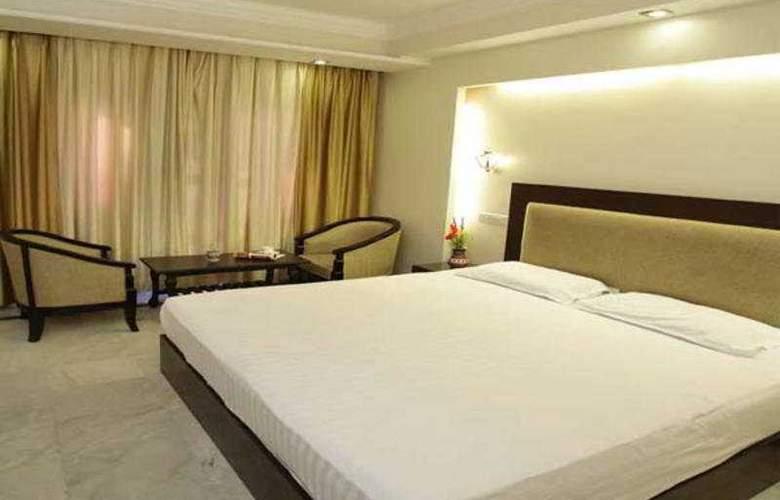 Aashish - Room - 3