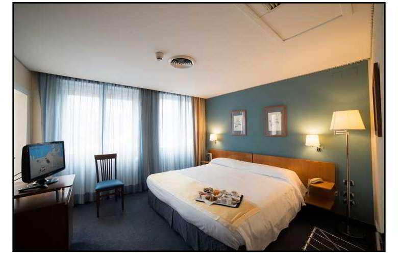 JFK hotel - Room - 12