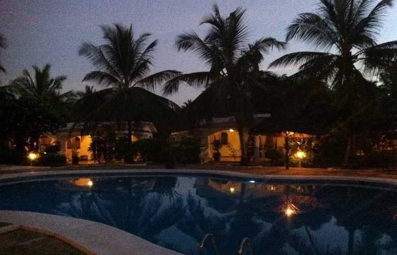 Villas Watamu Resort - Pool - 7