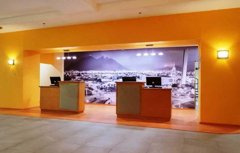 La Quinta Inn & Suites Monterrey Norte - General - 1