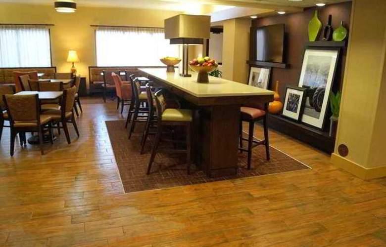 Hampton Inn Altoona - Hotel - 6