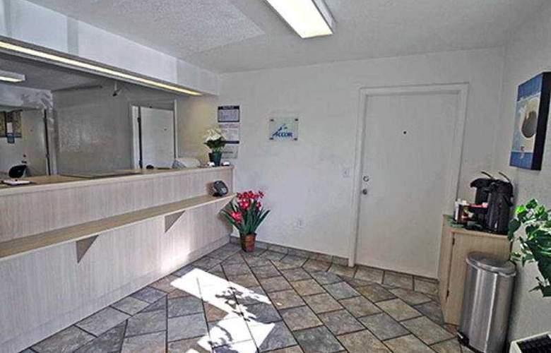 Motel 6-Charleston - General - 3