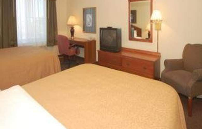 Quality Inn & Suites - Room - 2