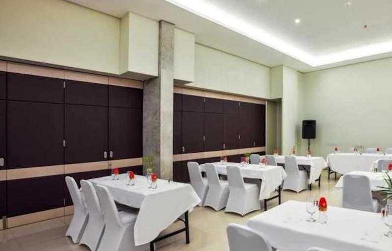 Grandmas Tuban Hotel - Conference - 7