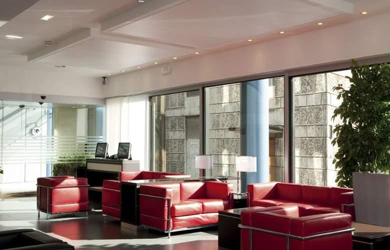 iQ Hotel Roma - General - 10