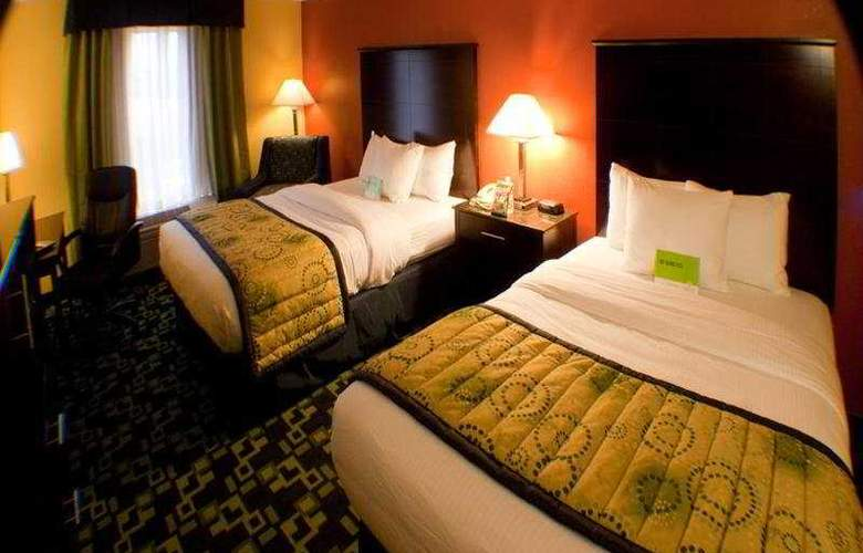 La Quinta Inn & Suites Louisville Expo East 6437 - Room - 3