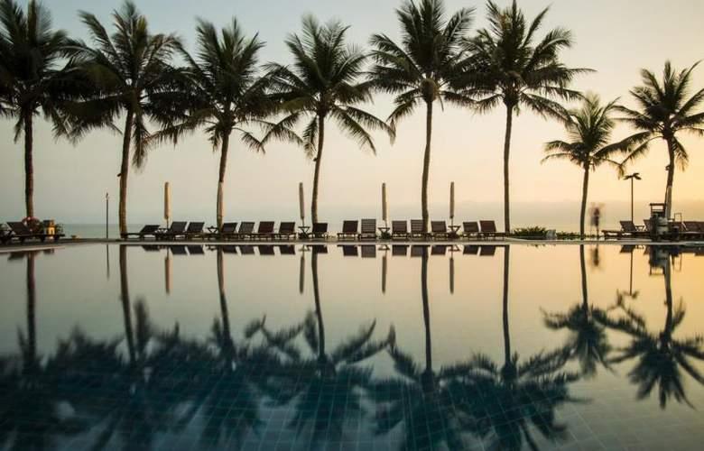 Victoria Hoi An Beach Resort & Spa - Pool - 3