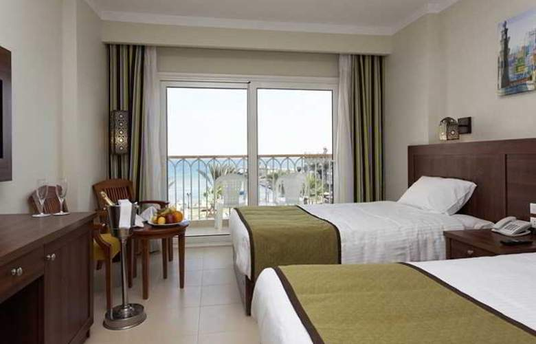 The Three Corners Royal Star Beach Resort - Room - 20