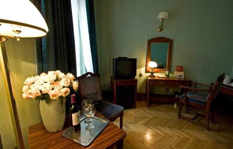 Francuski - Room - 22